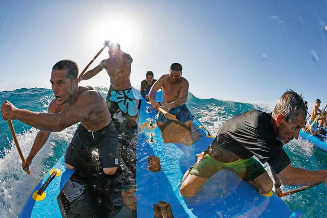 07-communal-surf-riding-670