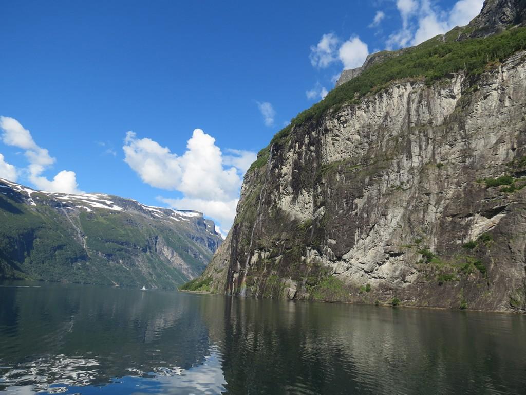 在北歐,可盡情欣賞峽灣地形的鬼斧神工1