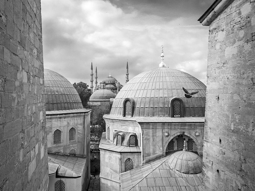 sultanahamet-hagia-sophia-istanbul_90688_990x742