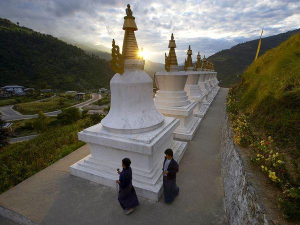 bow-eastern-bhutan-stupas_92366_600x450