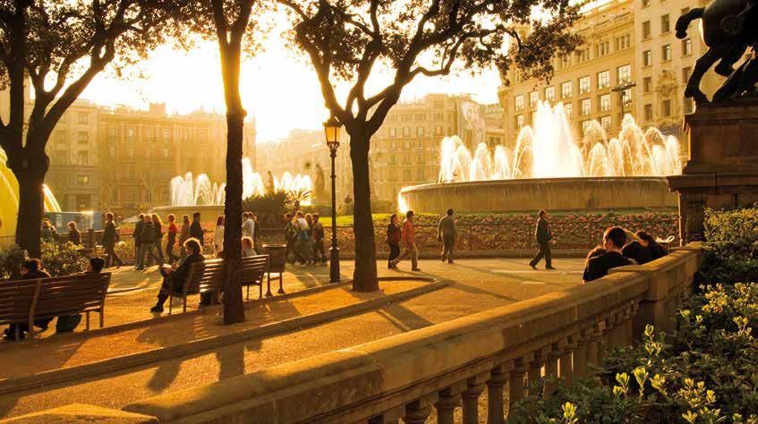 位在市中心的加泰隆尼亞廣場(Plaça de Catalunya)。圖片出自《全球220大最佳旅遊城市》