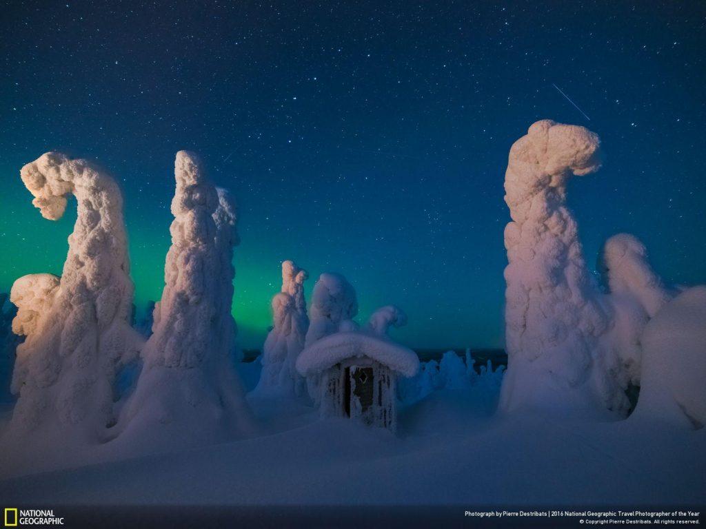 攝於芬蘭拉普蘭區山上,夜晚可見極光。Photo and caption by Pierre Destribats