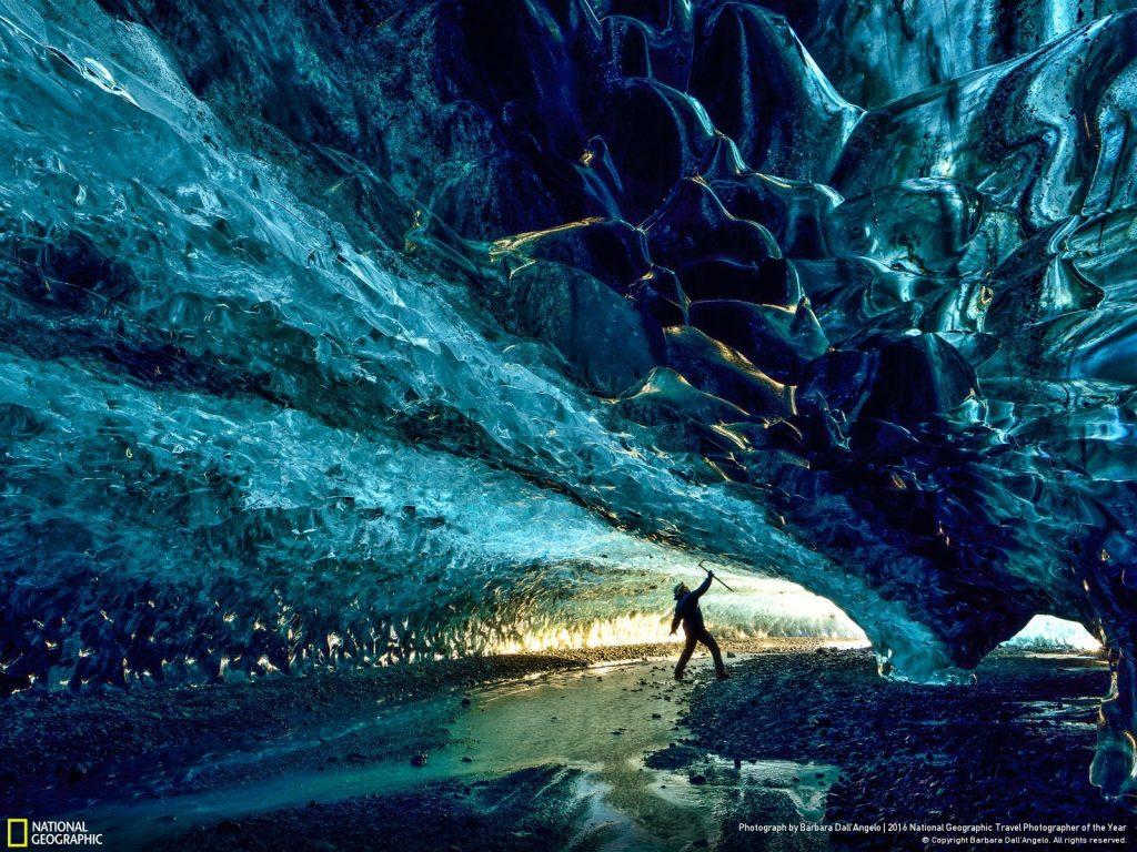 冰島冰河洞。Photo graph by Barbara Dall'Angelo