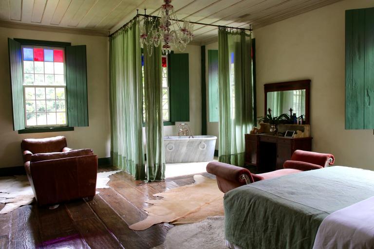 陽光照入伊比契波卡旅舍的一間客房內。PHOTOGRAPH BY CORAL KEEGAN
