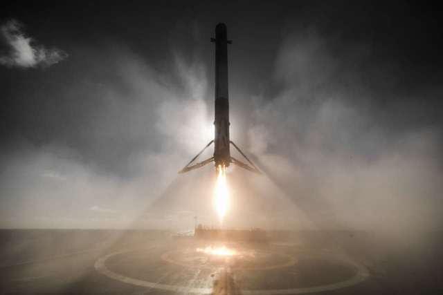 SpaceX已經完成了獵鷹9號一級火箭的陸地和海上回收。圖片來源:SpaceX