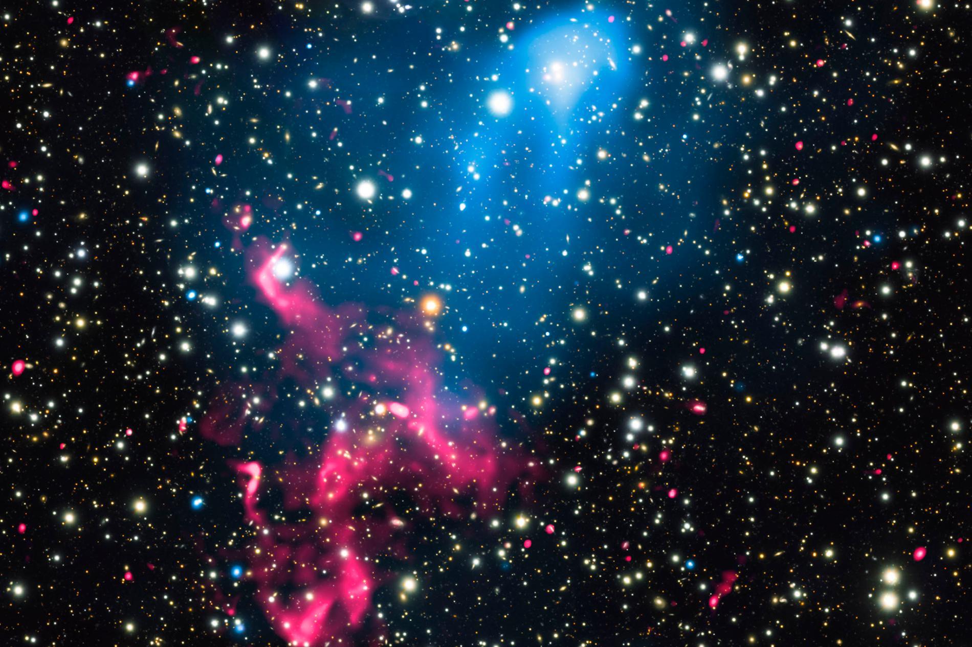 超大質量黑洞爆發