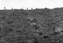 巨型地雷引爆的陷坑