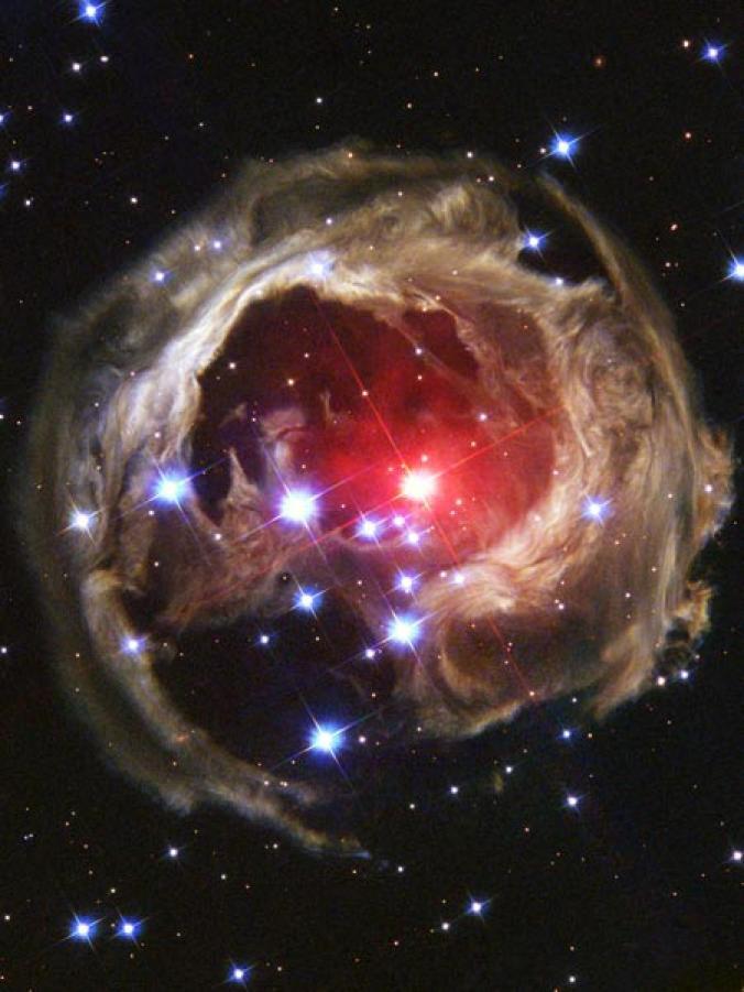 恆星放出的光被雲氣反射後,就會發生這種現象。