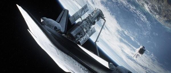 太空梭進行維修哈伯太空望遠鏡任務(電影劇照)