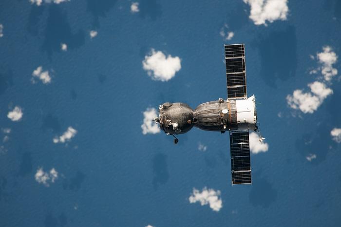 俄羅斯的聯合號太空船分成三部分:軌道艙、返回艙和服務艙。影像來源:NASA