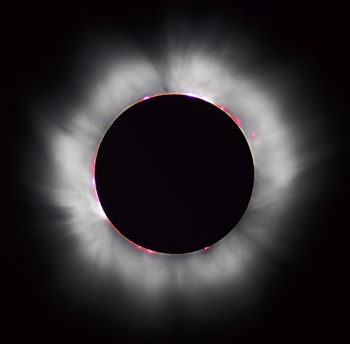 1999年8月11日發生的日全食。 /PHOTOGRAPH BY LUC VIATOUR / WWW.LUCNIX.BE