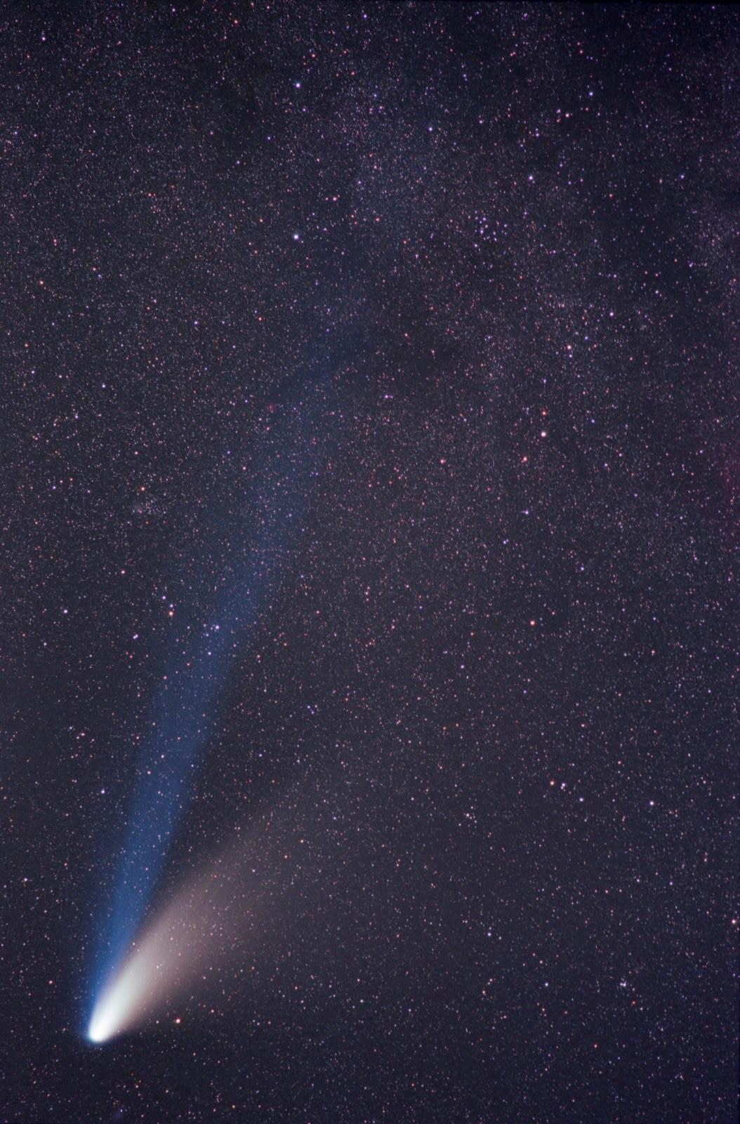 彗星是哇訊號的來源嗎?海爾波普彗星。攝影:李昫岱
